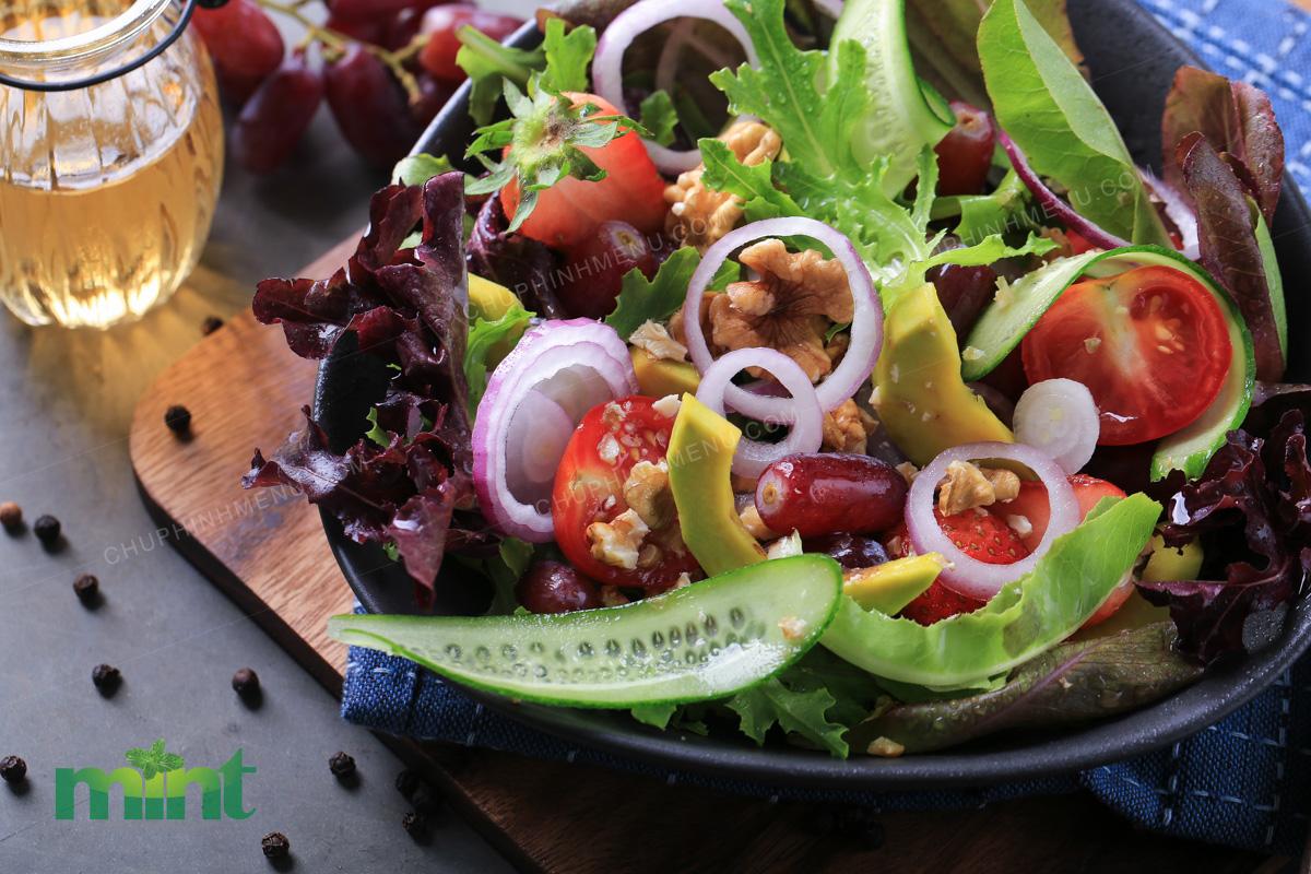 Ngày nào cũng làm 1 dĩa Salad như thế này, 1 tháng là xanh mặt luôn nha!
